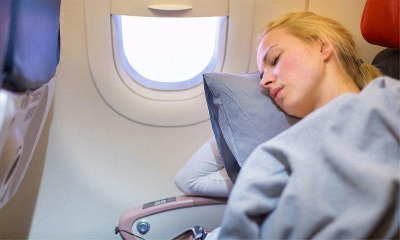 فضائی سفر کے دوران سونا ہوسکتا ہے نقصان دہ