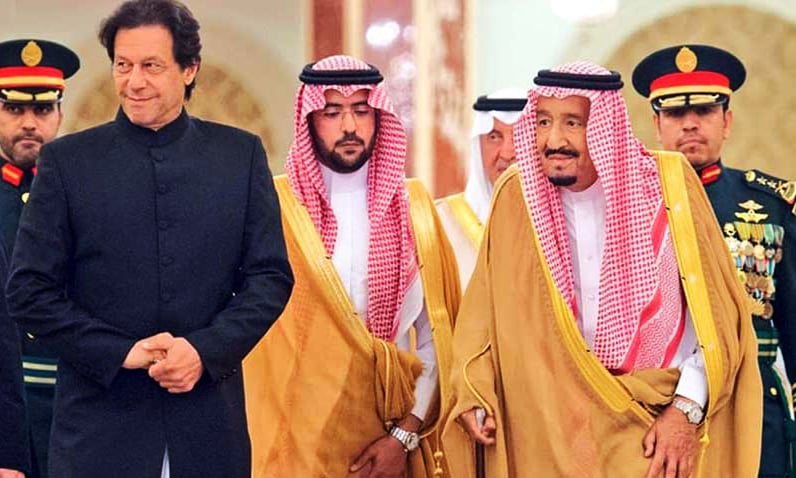 PM Imran Khan and King Salman meet in Jeddah. — Photo courtesy PID