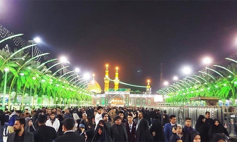 حضرت عباس علمدار اور حضرت امام حسین کے روضے کا درمیانی مقام بین الحرمین کہلاتا ہے