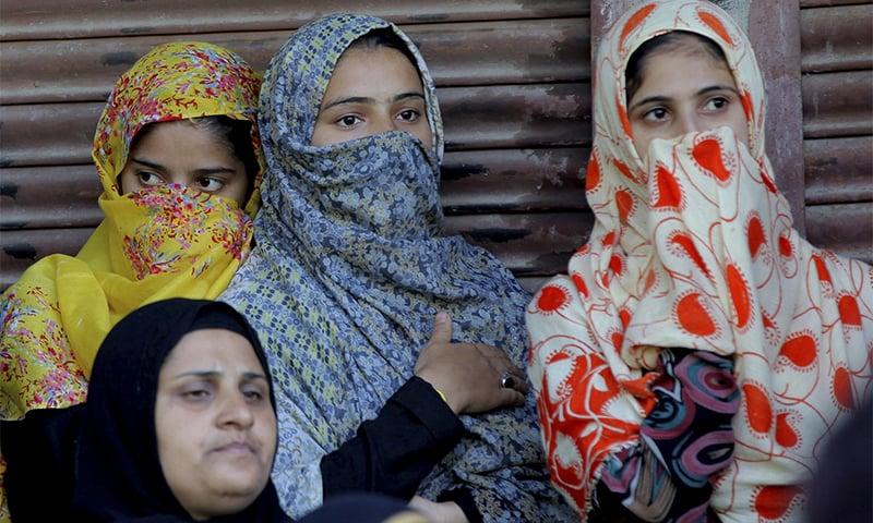 Kashmiri Shias attend a Muharram procession in Srinagar, IHK on Sept 20. ? AP