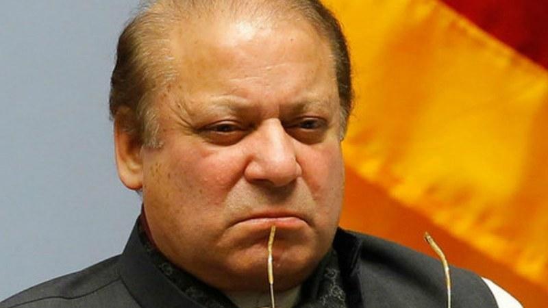 LHC orders Nawaz Sharif, journalist to appear in treason case
