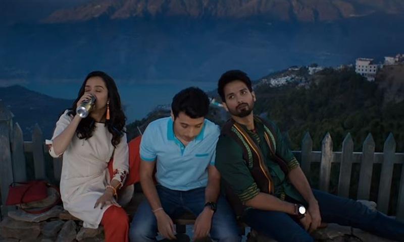 فلم میں شردھا کپور نے اسی قصبے کی ایک فیشن ڈیزائنر 'للیتا'  کا کردار ادا کیا ہے