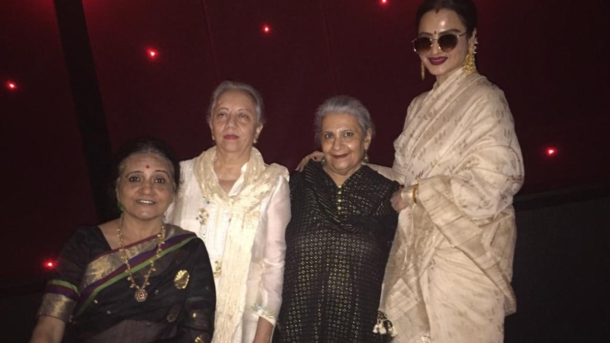 Nusrat Jalal and Nuzhat Arshad with Rekha at the Manto screening in Mumbai