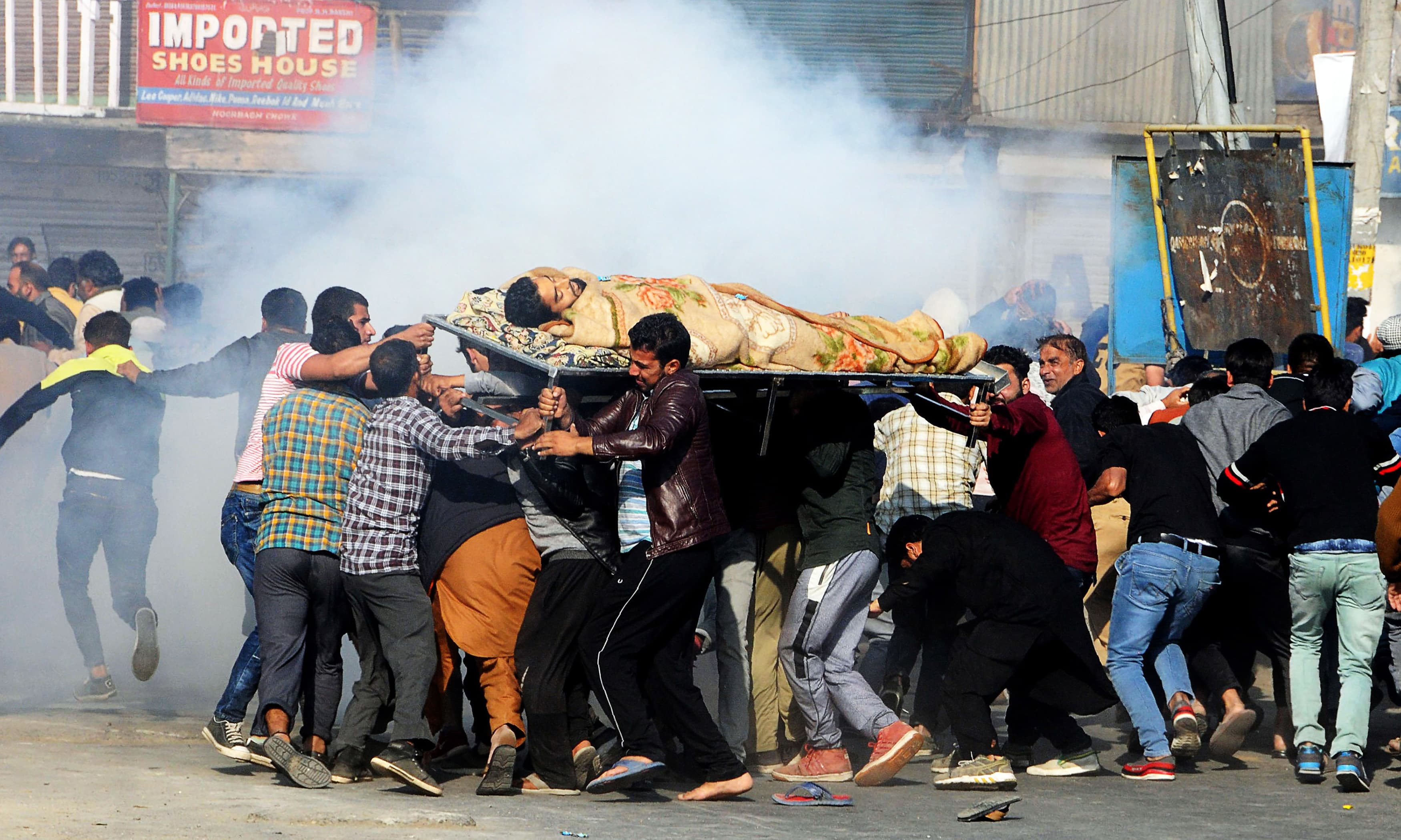 Indian forces kill 5 Kashmiris as clashes erupt ahead of local elections