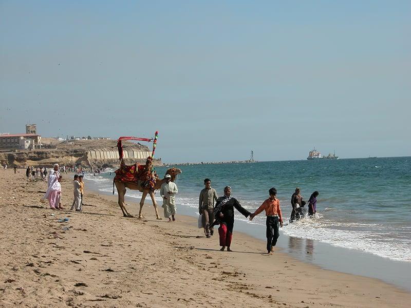 منوڑہ کا ساحل—تصویر عبیداللہ کیہر