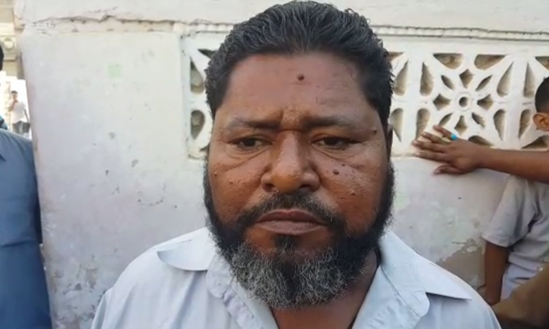 Muhammad Abdul Qadir, a falooda vendor in Karachi's low-income Orangi Town neighbourhood, discovered over Rs2bn in his bank account. ─ DawnNewsTV