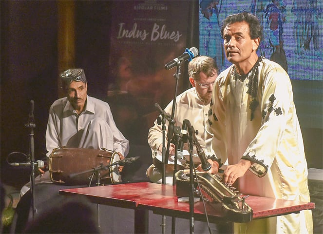 MUMTAZ Ali Sabzal performs at Alliance Francaise on Monday evening.—White Star