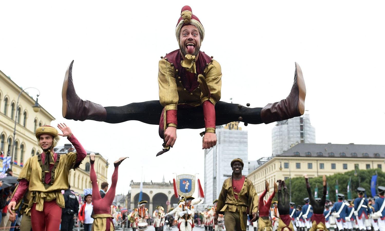 ویزن یا اکتوبر فیسٹ کے نام سے منعقد ہونے والا میلہ دنیا بھر میں شہرت رکھتا ہے — فوٹو : اے ایف پی