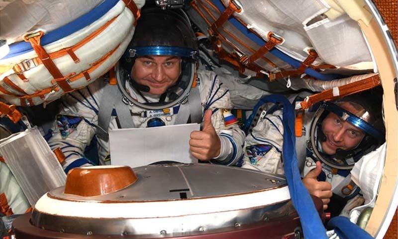 راکٹ میں سوار خلا باز بحفاظت زمین پر واپس آگئے — فوٹو بشکریہ: روسی اسپیس ویب