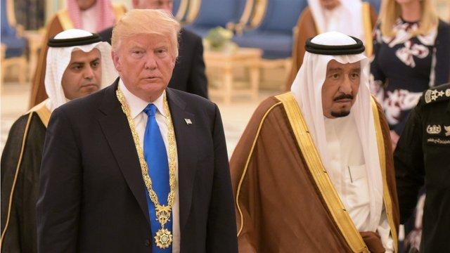 Saudis 'reject' threats as stocks drop amid scrutiny over missing journalist