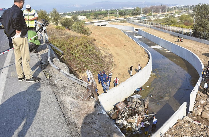 Migrant truck meets with accident in Turkey; 22 perish