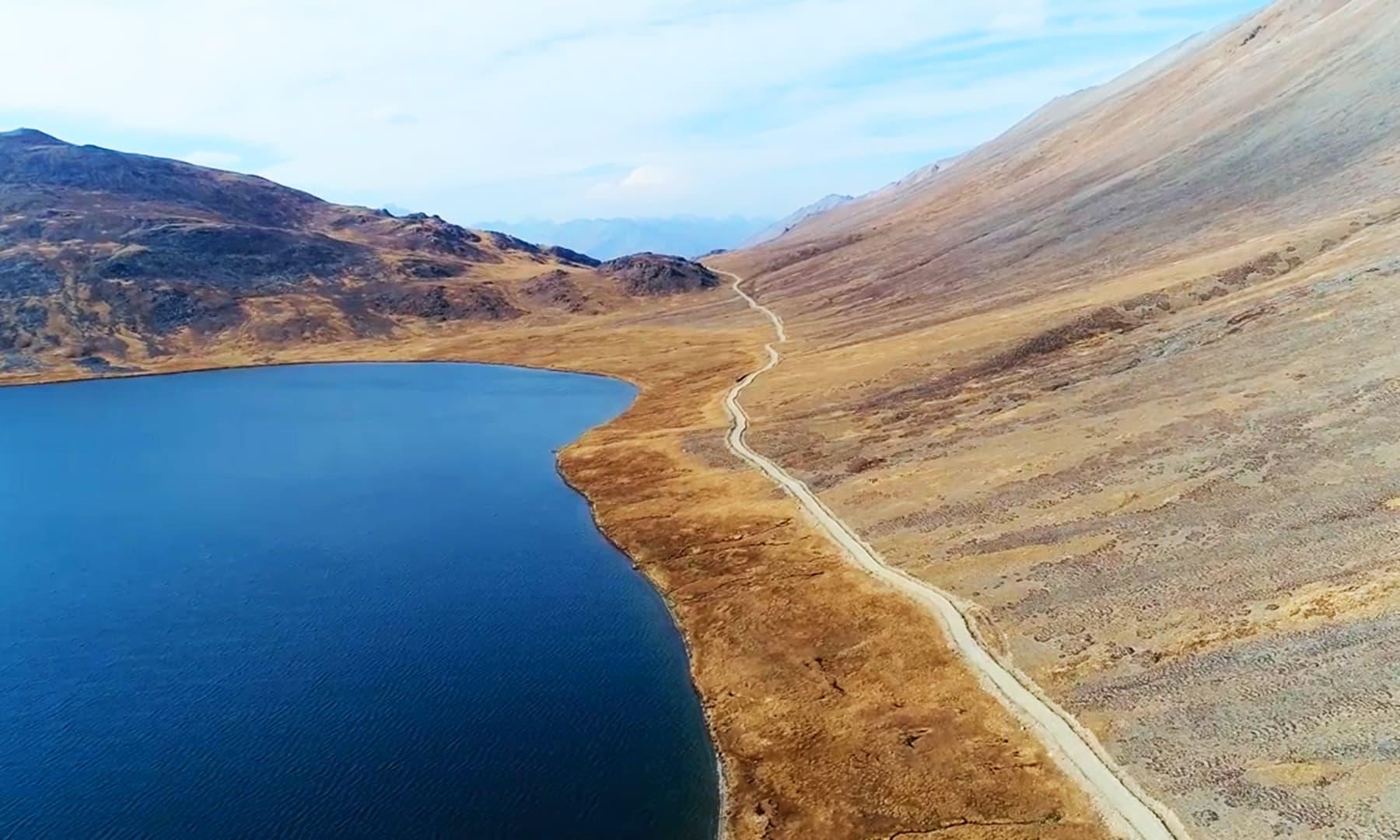 شیو سر جھیل کا ایک اور خوبصورت منظر —تصویر رضوان احمد جٹ