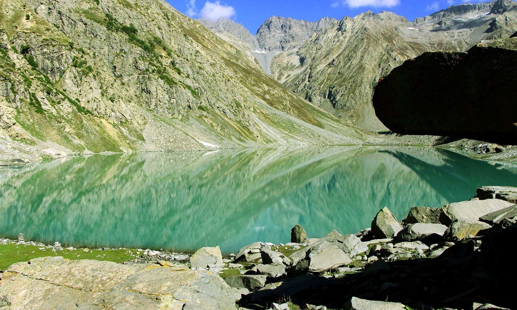 کُو جھیل کا دوسرا منظر—تصویر امجد علی سحاب