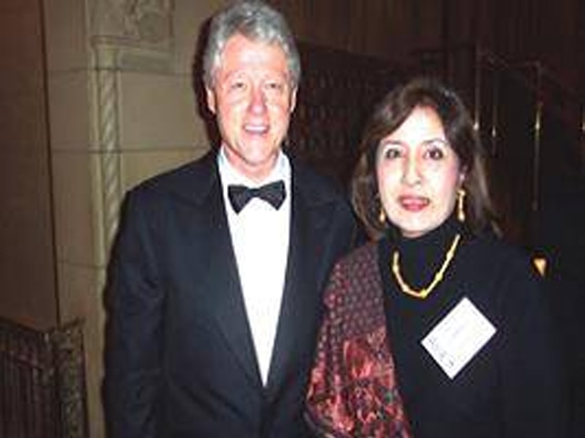 ANJUM Niaz and Bill Clinton