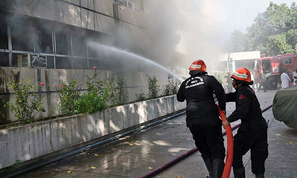 Fire dept used eight fire hydrants to douse the blaze. —APP