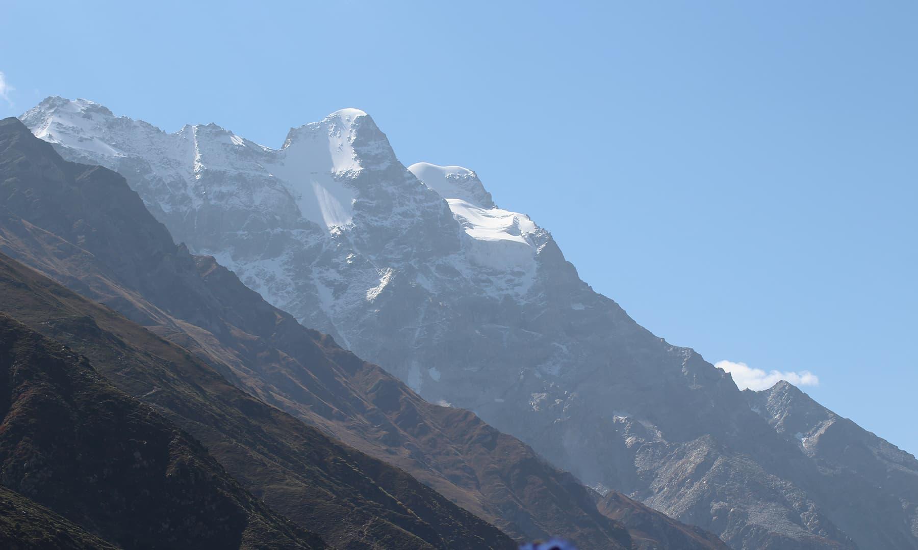 ملکہ پربت کی چوٹی کا خوبصورت منظر—تصویر عظمت اکبر