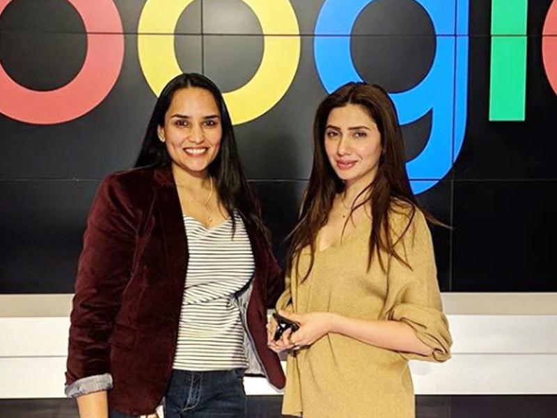 پہلی بار اداکارہ نے ہیڈ کوارٹرز کا دورہ کیا—فوٹو: ماہرہ خان انسٹاگرام