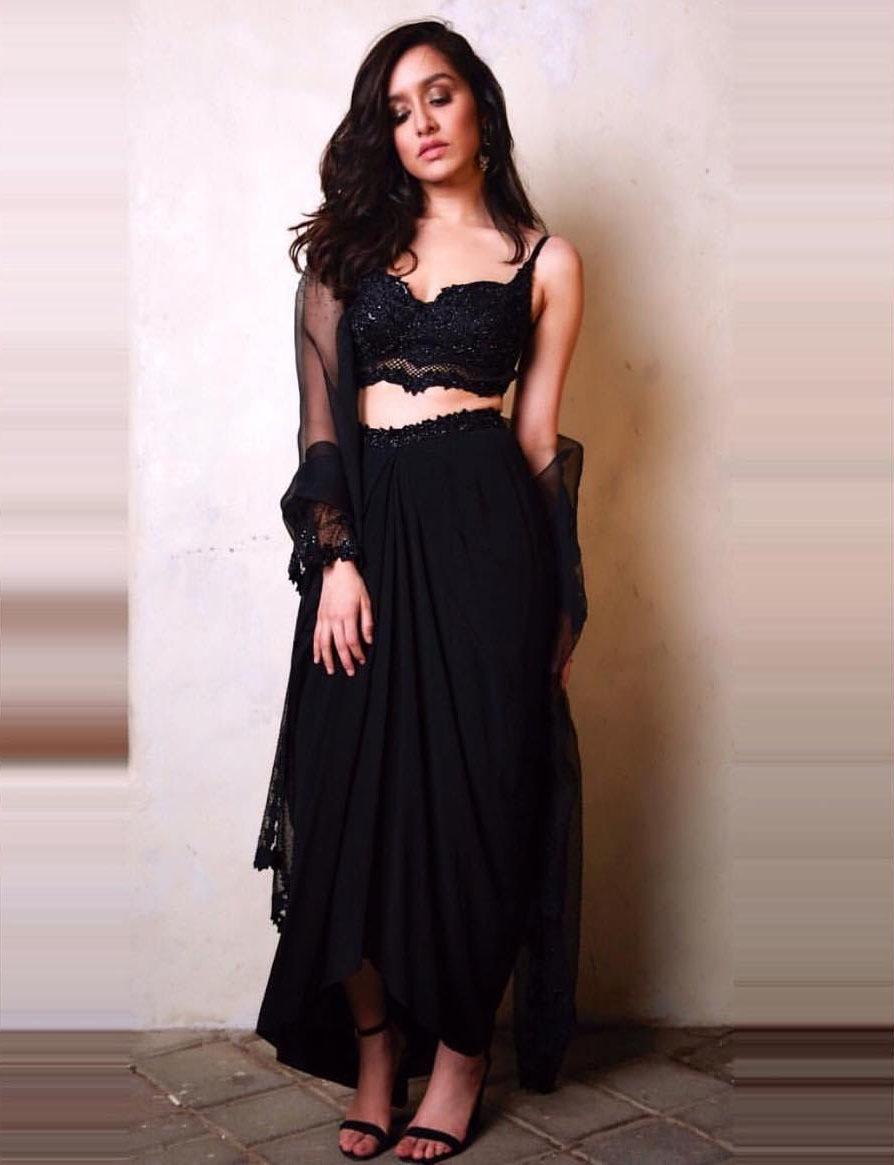 شردہا کپور کا لباس سب کی توجہ کا مرکز بن گیا—فوٹو/ انسٹاگرام