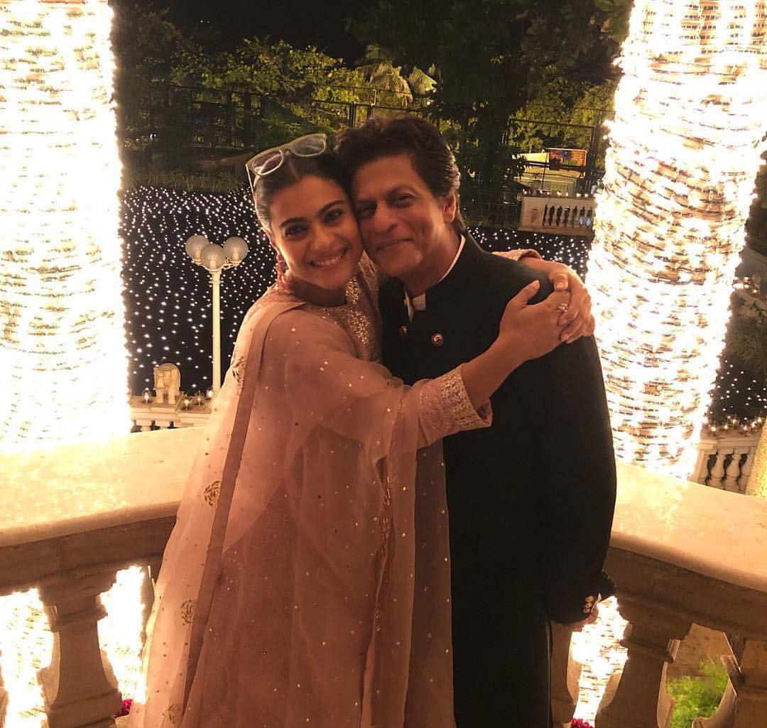 شاہ رخ خان اور کاجول نے ایک ساتھ یادگار تصویر لی —فوٹو/ انسٹاگرام