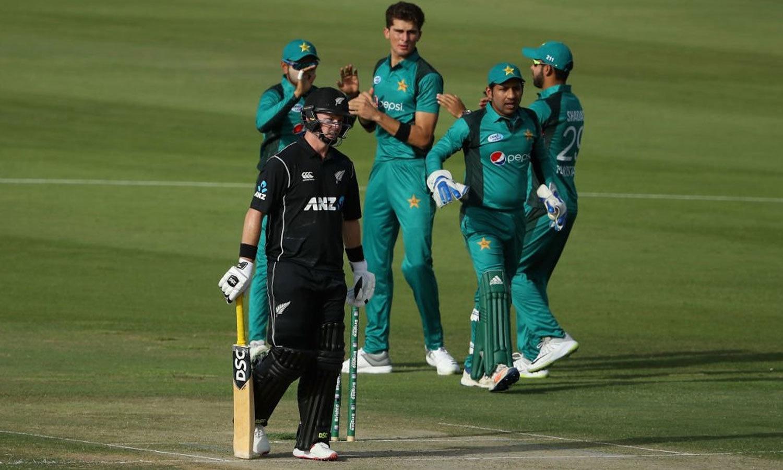 نیوزی لینڈ کی پہلی وکٹ 13 رنز پر گری تاہم ٹیلر اور لیتھام نے ٹیم کو سنبھالا—فوٹو: آئی سی سی ٹویٹر