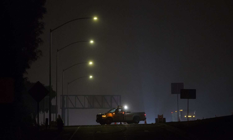 واقعے کے بعد پولیس نے شہر کے مرکزی ہائی وے پر ناکہ بندی لگا دی تھی— فوٹو: اے ایف پی