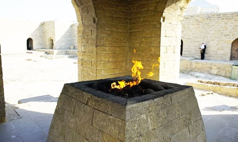 ماضی میں آگ کی عبادت بھی کی جاتی تھی—فوٹو: سی این این