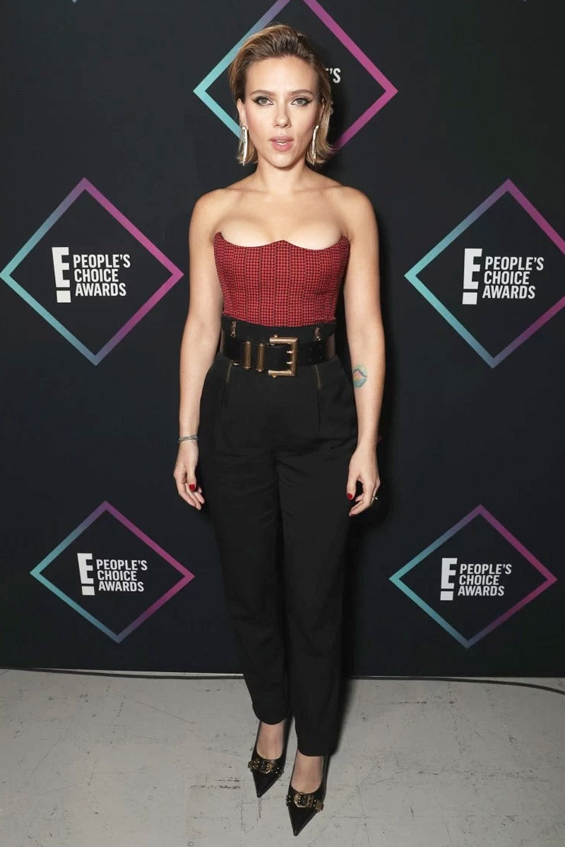 بہترین اداکارہ کا ایوارڈ اسکارلیٹ جانسن کو دیا گیا—فوٹو: پیپلز میگزین