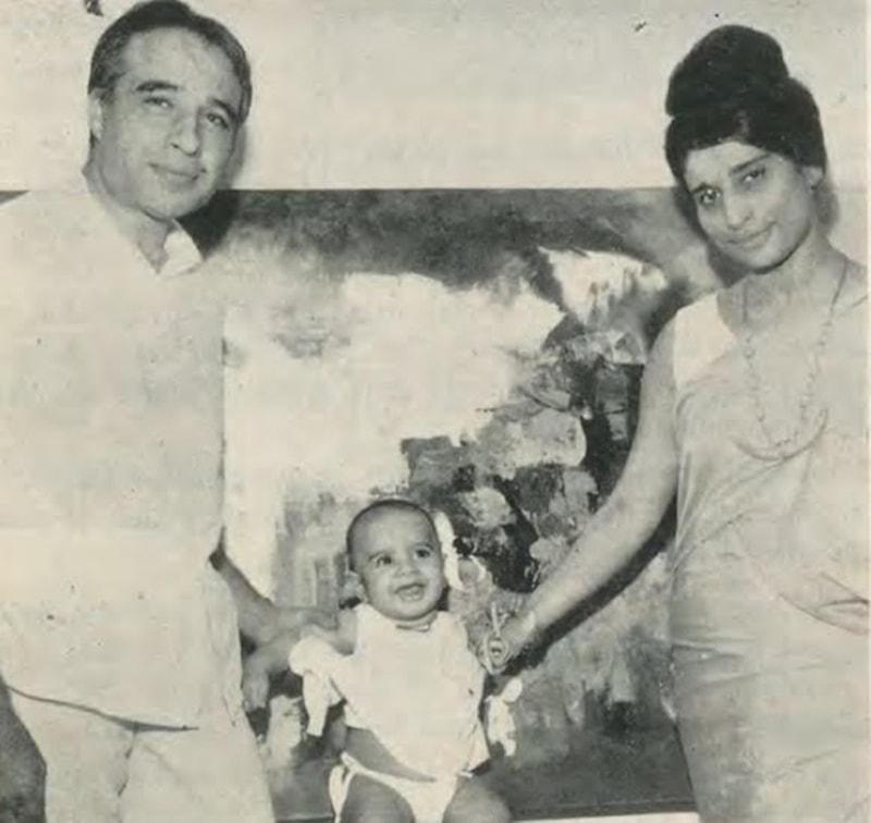 گل جی اپنی اہلیہ اور بیٹے کے ساتھ