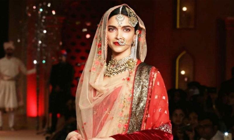 دوسری شادی میں دپیکا سرخ لباس پہنیں گی—فائل فوٹو: اسکرین شاٹ / پدماوت