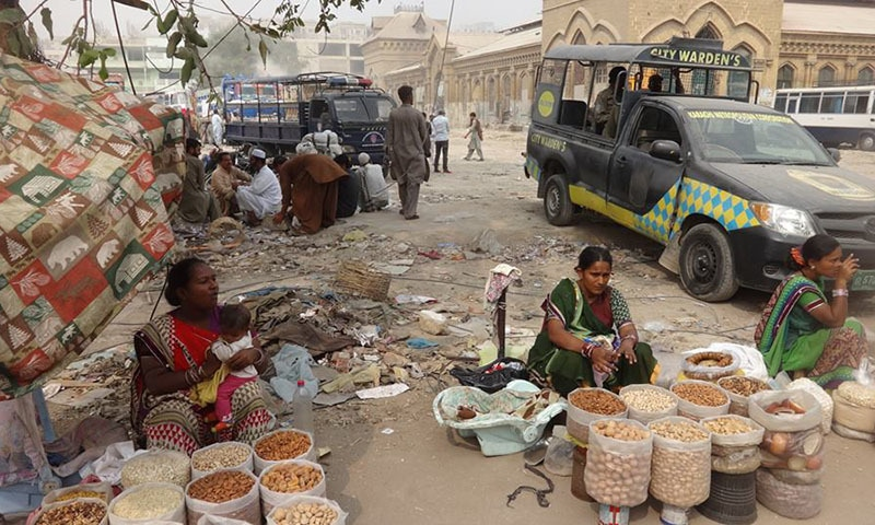 Hawkers at Empress Market during the ongoing operation against encroachments.—Urban Resource Center