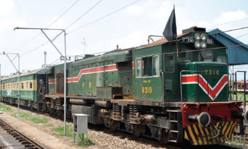 SC orders revival of KCR, tram service in Karachi