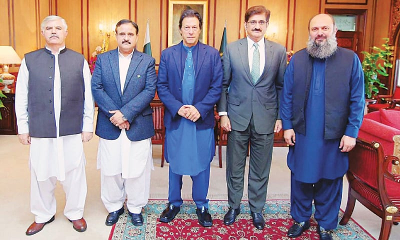 PRIME Minister Imran Khan and chief ministers of Punjab, Sindh, Khyber Pakhtunkhwa and Balochistan, Usman Buzdar, Syed Murad Ali Shah, Mahmood Khan and Jam Kamal Khan Alyani, respectively, pictured after a meeting at the PM Office on Monday.—PPI