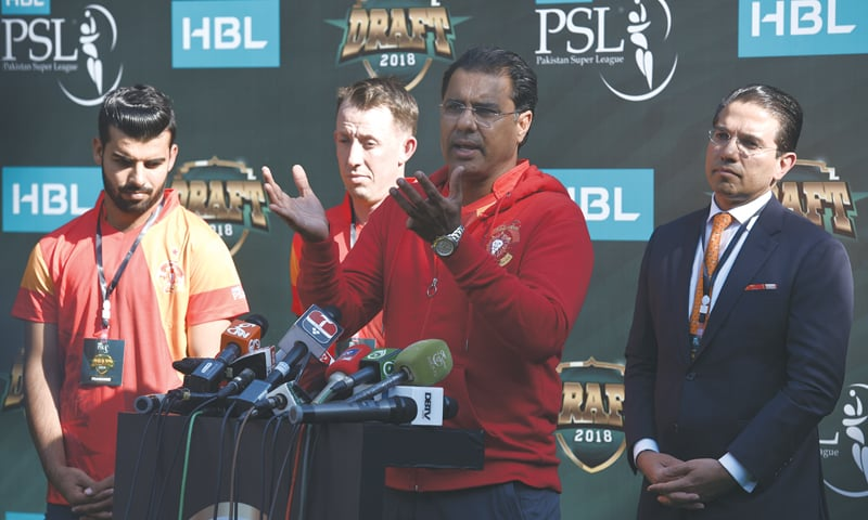 ISLAMABAD United's director Waqar Younis speaks to reporters as the franchise owner Ali Naqvi (R), leg-spinner Shadab Khan (L) and former New Zealand wicket-keeper Luke Ronchi look on.—White Star