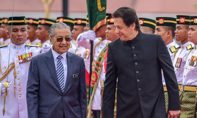 وزیراعظم عمران خان نے دورہ ملائیشیا کے دوران ڈاکٹر مہاتیر محمد کے تجربات سے استفادہ کرنے کا عزم ظاہر کیا—فوٹو بشکریہ مہاتیر محمد ٹوئٹر