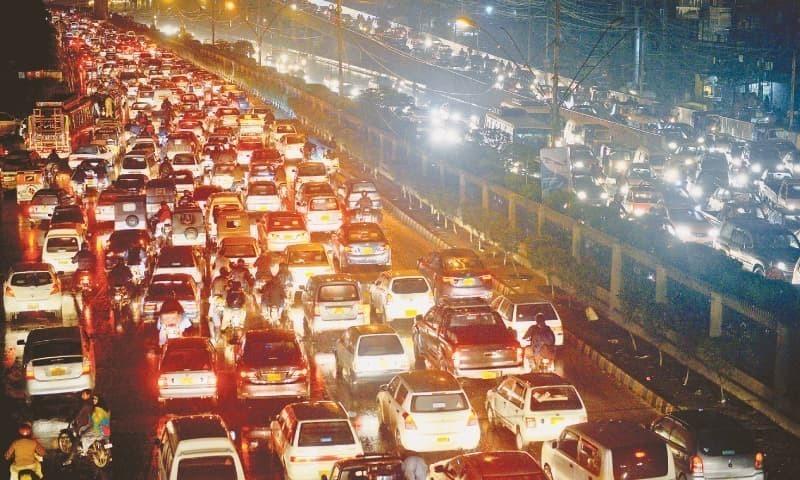 اب تو اس شہر میں اتنا ٹریفک، اتنا شور اور اتنی افراتفری ہے کہ اس بیچاری کی روح اب شاید ہی کسی کو نظر آئے