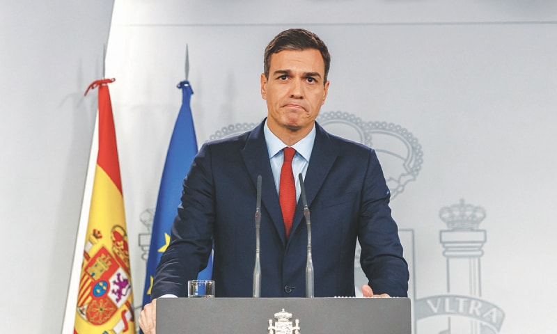 Madrid: Spanish Prime Minister Pedro Sanchez holds a press conference on Saturday to announce that his government will back a Brexit deal with Britain after reaching an agreement on Gibraltar.—AFP