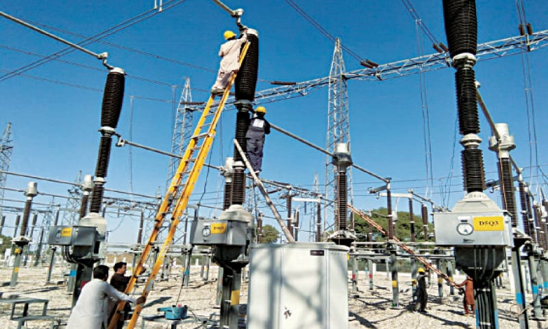 Transmission lines being washed for smooth supply