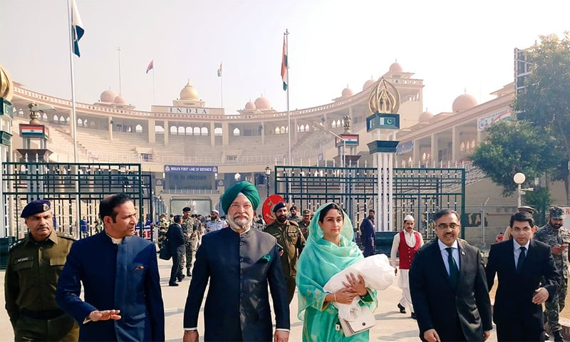 Indian Minister for Food Harsimrat Kaur Badal and Housing Minister Hardeep S. Puri at the Wagah Border in Lahore. ─ Photo courtesy PTV News Twitter