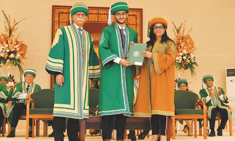A MEDICAL graduate, also the winner of 2018 Best Graduate Award, receives his degree at the AKU convocation held on Saturday while (right) students arrive at the venue at the IBA convocation.