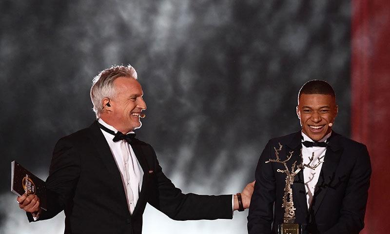 بہترین نوجوان کھلاڑی ایوارڈ فرانس کے کائلیان ایمباپے نے اپنے نام کیا— فوٹو: اے ایف پی