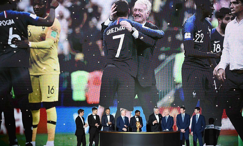 تقریب کے دوران عالمی چیمپیئن فرانس کی ٹیم کی بھی عزت افزائی کی گئی— فوٹو: اے ایف پی