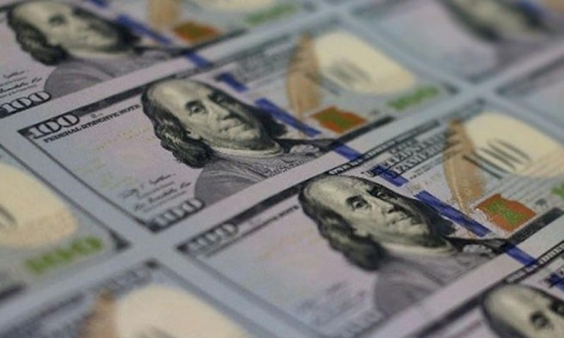 US trade deficit hits 10-year high on record imports