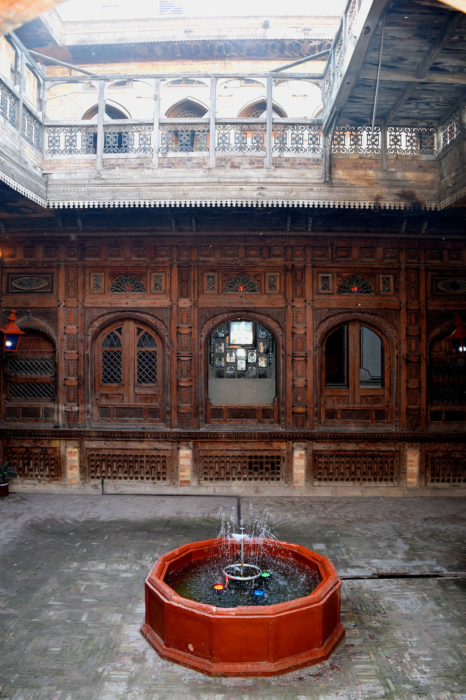 The courtyard of Sethi Haveli.