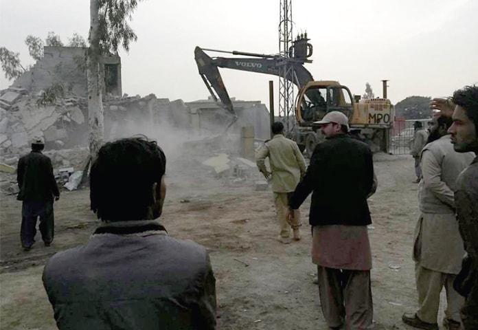 Gt Road Cleared Of Encroachments Pakistan Dawn