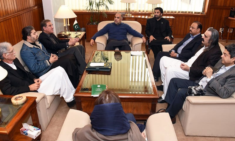 Speaker Asad Qaiser chairs a meeting of govt leaders. — Photo: NA Secretariat