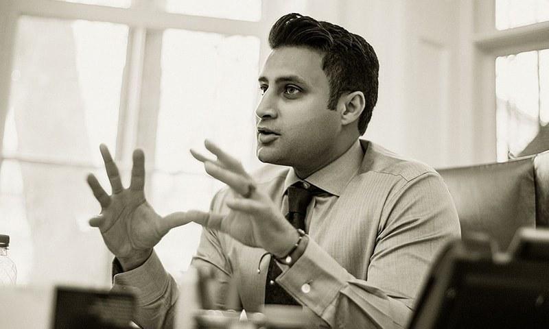 وزیرِاعظم کے معاون خصوصی برائے بیرون ملک مقیم پاکستانی زلفی بخاری—فائل فوٹو