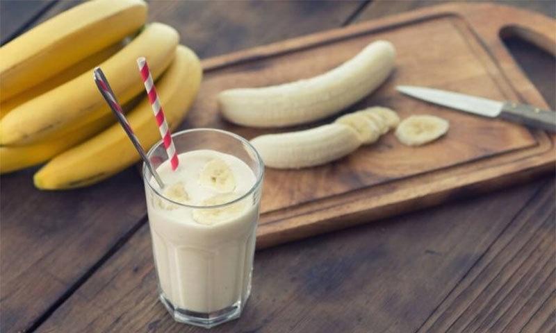 کیلے اور دودھ کا امتزاج صحت کے لیے کتنا فائدہ مند؟