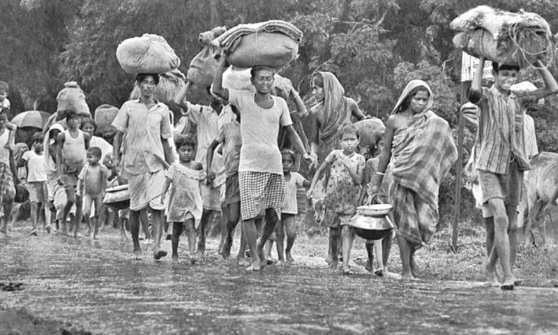 Refugees seeking shelter in 1971 | Courtesy the official mujibnagar website