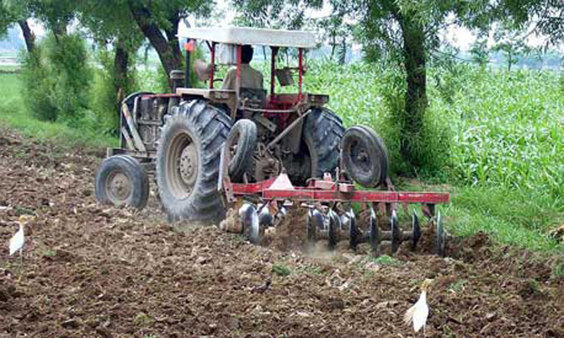 Manufacturers say import of used tractors with exemption from duties, taxes will cause collapse of domestic industry. ─ File photo