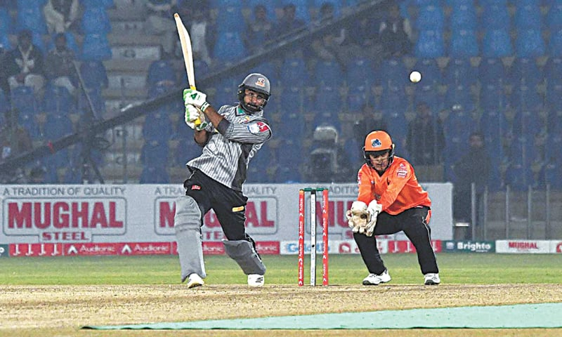 Khushdil Shah could be the opportunist at this year's PSL. — APP/File